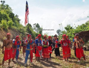 Paddy Harvest Festival, authentic, backpackers, Borneo, Indonesia, Kalimantan Barat, Kampung Kadek, native, tribal, culture, tourism, tourist attraction, travel guide, traditional, crossborder, 婆罗洲丰收节日