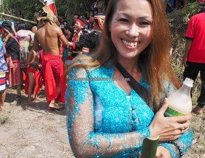 Paddy Harvest Festival, backpackers, Borneo, Indonesia, Desa Tangguh, Dusun Betung, Siding, dayak bidayuh, native, tribe, wisata budaya, Tourism, traditional, crossborder, village, 西加里曼丹原著民