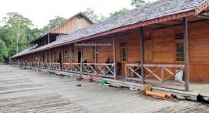longhouse, authentic village, Borneo, West Kalimantan, Batang Lupar, Kapuas Hulu, native, Suku Dayak Iban, tribe, obyek wisata, travel guide, crossborder, danau sentarum national park, Sepandan, 婆罗洲, 原著民长屋