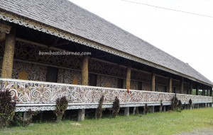 traditional, authentic, indigenous, adventure, Indonesia, kenyah tribe, dayak motif, native, longhouse, rumah panjang, Tourism, tourist attraction, travel guide, transborder, 北加里曼丹, 旅游景点
