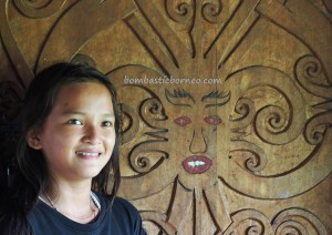 traditional, Lamin Adat Adjang Lidem, Desa Setulang, backpackers, North Kalimantan, Indonesia, sculptures, Ethnic, native, tribal, longhouse, obyek wisata, Tourism, travel guide, 北加里曼丹, 婆罗洲原著民