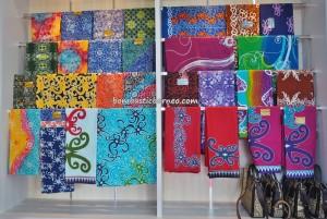 handicrafts, handmade, authentic, indigenous, backpackers, destination, Borneo, Indonesia, native, tribal motif, Obyek wisata, Tourism, travel guide, 北加里曼丹, 婆罗洲
