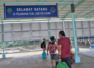 speedboat ride, express, adventure, backpackers, destination, Borneo, Indonesia,, Pulau, Obyek wisata, Tourism, tourist attraction, Wharf Terminal, Transportation, travel guide, transborder,