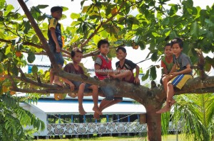Suku Dayak Kenyah, traditional, authentic, village, backpackers, destination, Borneo, Indonesia, native, Ethnic, tribal, tribe, Obyek wisata, Tourism, tourist attraction,