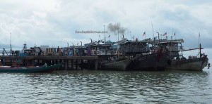 Pelabuhan kapal laut, port, wharf, Transportation, Immigration checkpoint, backpackers, destination, Indonesia, North Kalimantan, Obyek wisata, Tourism, tourist attraction, International Border crossing, crossborder, 斗湖沙巴
