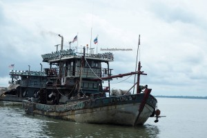 Pelabuhan Kapal Laut, port, backpackers, exploration, Borneo, Indonesia, Kalimantan Utara, Nunukan Island, Tourism, tourist attraction, travel guide, International Border crossing, crossborder, transborneo, 婆罗洲, 斗湖沙巴