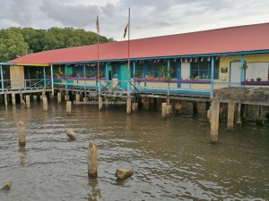 Kampung Melayu, Malay, nelayan, fishing village, water village, floating house, traditional, Borneo, Malaysia, Tourism, tourist attraction, travel guide,