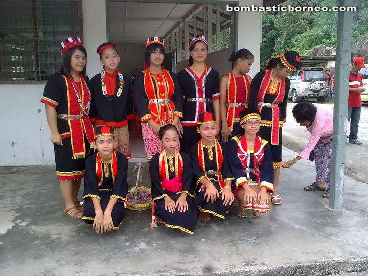 Bidayuh Gawai Harvest Festival At Kampung Gumbang 2011 Bombastic Borneo