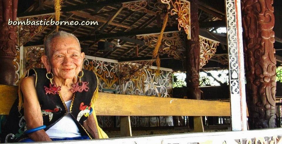 ancient, Apokayan, Borneo, budaya, culture, dayak, east kalimantan, indonesia, kalimantan timur, Kayan, Kenyah, long ears, longhouse, Malinau, native, Pampang Cultural Park, Samarinda, sungai siring, traditional tattoo, tribe, village