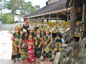 ancient, Apokayan, Borneo, budaya, culture, dayak, east kalimantan, indonesia, kalimantan timur, Kayan, Kenyah, long ears, longhouse, Malinau, native, Pampang Cultural Park, Samarinda, sungai siring, traditional tattoo, tribe, village, crafts
