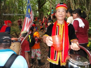 adventure, authentic, Bengkayang, Bidayuh, Borneo, culture, dayak, dusun, Gawai harvest festival, Indonesia, rainforest jungle, Kalimantan Barat, Kampung, Kuching, native, nature, outdoor, Sarawak, Sikukng, Sungkung, traditional, tribal, tribe, village, west kalimantan, nyobeng,