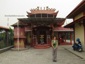 adventure, bike ride, Borneo, Central Kalimantan Tengah, Indonesia, kotawaringin timur, Masjid Raya Mosque, Obyek wisata, outdoor, Sampit river, Wisata Alam Danau Salju, Dayak Culture Center,
