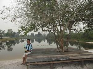 adventure, bike ride, Borneo, Central Kalimantan Tengah, Confucius Temple, Indonesia, kotawaringin timur, Masjid Raya Mosque, Obyek wisata, outdoor, Sampit river, Dayak Culture Center,