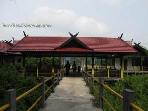 adventure, ancestral bone house, bike ride, culture, Hindu Kaharingan, Indonesia, Kahayan River, outdoor, Palangka Raya, Pasah Patahu, Pulang Pisau, Sandung, Tiwah, Tomb