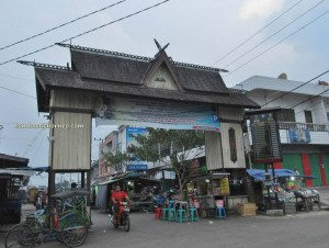 Adventure, bike ride, bone house, Dayak Ngaju, floating house, Indonesia, Kahayan bridge river, Obyek wisata, outdoor, cruise excursion, Rumah Tjilik Riwut, Sandung, village,