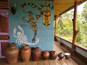 authentic, Bakati, West Barat, Bengkayang, culture, customary law, Dusun Sahan, Ethnic, hukuman adat, indigenous, Undang, Nyabank'ng, nyobeng, antique jars, Seluas, traditional, tribal, tribe, village,