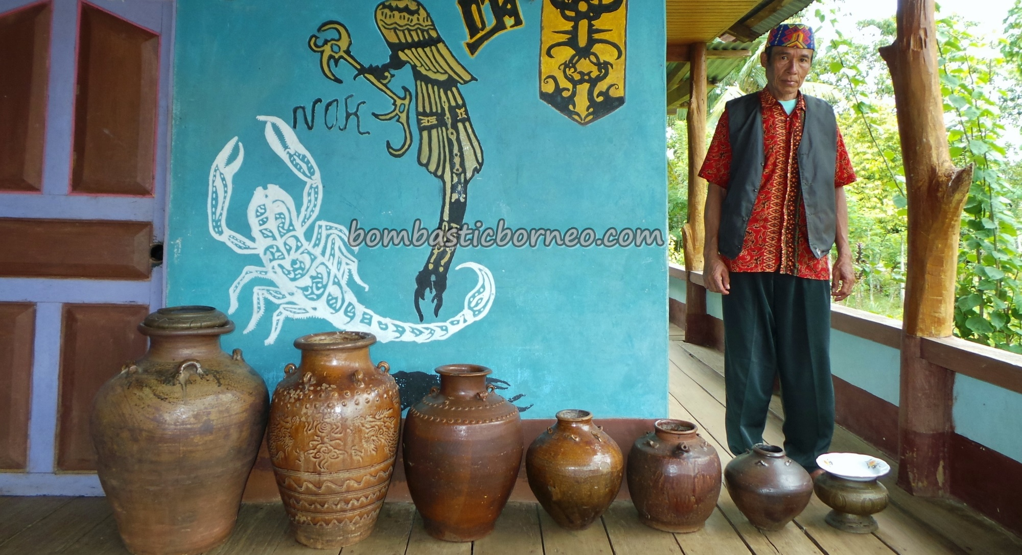 authentic, Bakati, West Barat, Bengkayang, culture, customary law, Dusun Sahan, Ethnic, hukuman adat, indigenous, Undang, Nyabank'ng, nyobeng, antique jars, Seluas, traditional, tribal, tribe, village,