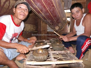authentic, Dayak Bakati culture, custom house, indigenous, Indonesia, native, Nyabank'ng, nyobeng, Obyek wisata, ritual event, rumah adat, skulls, spiritual, traditional, tribal, tribe, village,