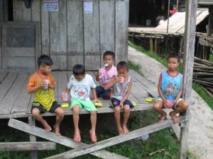 Authentic, charity, Community Service, Entikong, homestay, indigenous, indonesia, longhouse, medical seva, native, Non Profit Organization, orang asli, pelayanan masyarakat, rural, Suruh Tembawang, traditional, tribal, tribe, volunteer,