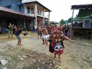 authentic, Dayak Bakati, baruk, Ethnic culture, indigenous, Indonesia, West Kalimantan Barat, native event, nyobeng, paddy harvest festival, Dusun Pisak, rumah adat, spiritual, traditional village, tribal, tribe,