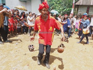 authentic, Dayak Bakati, baruk, Bengkayang culture, Ethnic, indigenous, Indonesia event, native, nyobeng, Obyek wisata, padi harvest festival, Riam Bakrim waterfall, rumah adat, spiritual, traditional, tribal, tribe, west kalimantan Barat,