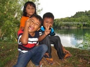 Bau, Borneo, event, Jong Regatta, Kuching, Malaysia, Miniature Boat Race, outdoor, Tasik Biru, tourist attraction, travel guide, water sports,