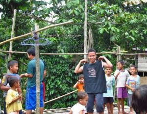 Borneo adventure, authentic, charity, Dayak Bidayuh, Dusun Gun Tembawang, homestay, indigenous, West Kalimantan Barat, longhouse, native, Non Profit Organization, pelayanan masyarakat, Sarawak, seva volunteer, Suruh Tembawang, traditional, tribal, tribe,