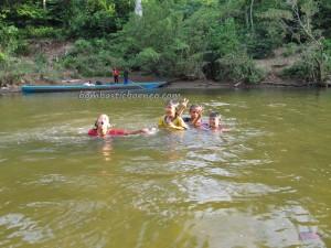 authentic, Dayak Bidayuh, Desa Pala Pasang, Entikong, fishing, fresh water fish, indigenous, Kampung, Mangkau, native, nature, outdoor, primary jungle, Sungai Sekayam River, tribal, tribe, village, trekking,