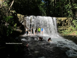 air terjun, homestay, Iban longhouse, native, orang asli, Paku Ulu Undop, Radau, rumah panjang, sea dayak, Sri Aman, Tourism, tourist attraction, trekking, tribal, tribe, village,