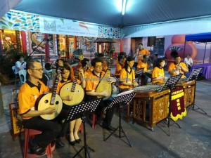 authentic, Borneo event, Carpenter Street, culture, Ethnic, intercultural, Kuching, kung ming lantern, Malaysia, Mooncake Festival, outdoor, sky lantern, traditional, 中秋节, 孔明灯, 马中公园,