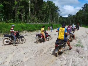 adventure, authentic, Borneo, dayak Selako, Ethnic, indigenous, indonesia, Kampung Merayuh, Riam Mananggar, Melanggar waterfall, native, nature, Obyek wisata, outdoor, bike ride, tribal, tribe, village,