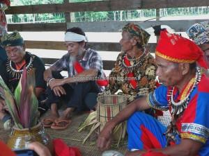 Wisata adat, authentic, village, baruk, bengkayang, Budaya Borneo, culture, Dusun Sebujit, gawai native, Nyobeng event, paddy harvest festival, ritual, Kampung Padang Pan, skull house, thanksgiving, traditional, tribal, tribe,