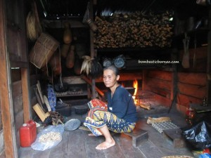 Highlands, indigenous, Kampung Kiding, kampung sapit, Kuching, native, orang asal, orang asli, Padawan, traditional, tribal, tribe, village, cooking, Smoke,