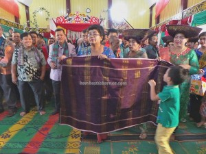 authentic, Borneo, Ceremony, Ethnic, event, indigenous, West Kalimantan Barat, native, Parindu, perkawinan, pernikahan, Sanggau, Sumatra, tradisi, tribal, tribe, upacara,