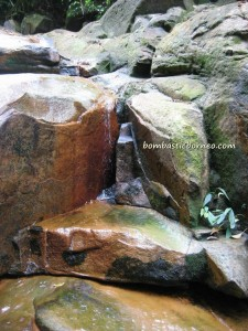 air terjun, gully, Gunung Santubong, hiking, jungle, Kuching, malaysia, rainforest, Santubong National Park, Tourism, tourist attraction, travel guide, trekking, Waterfall