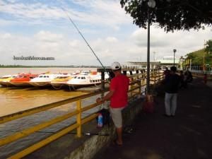 Borneo, Community Service, Kapit, Malaysia, medical seva, Non profit Organization, outdoors, river, rural service, Sarikei, Waterfront, express boat, Sungai Rejang, Transportation, volunteer, 快艇, 诗巫