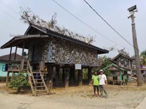 Miau Baru, wisata budaya, culture, Ethnic, indonesia, Kongbeng, Kutai Timur, Lepau Parai, Lumbung Padi, native, sculptures, Suku Dayak, Tourism, tourist attraction, traditional, travel guide, tribal, village