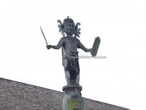 adventure, authentic, Borneo, culture, indigenous, Kongbeng, Lamin Adat, Miau Baru, Obyek wisata, Suku Dayak Kayan, Tourism, tourist attraction, traditional, tribal, tribe, village, totem pole,
