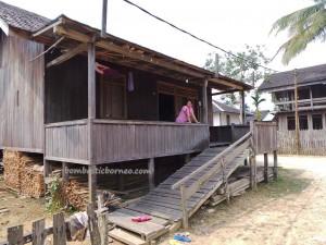 adventure, authentic, Borneo, budaya, ethnic, indigenous, Kongbeng, Kutai Timur, longhouse, native, Obyek wisata, Suku Dayak, Tourism, tourist attraction, travel guide, tribal, tribe,