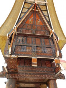 rumah adat tator, authentic, Balikpapan, Borneo, east kalimantan, Ethnic, kalimantan timur, Kaltim, native, Obyek wisata, Samarinda, Sepinggan International Airport, Tongkonan, Torajan Traditional House, travel guide