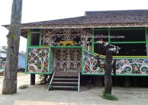 authentic, culture, customs hall, budaya indonesia, Kongbeng, east Kutai Timur, Lamin Adat Lakeq Bilung Jau, longhouse, Miau Baru, native, Obyek wisata, sculptures, Tourism, tourist attraction, travel, tribal, tribe, village,