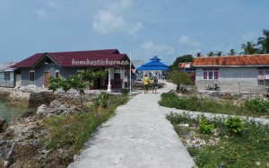 adventure, authentic, indigenous Bajau, Berau, Borneo, Derawan Archipelago, diving spot, fishing village, hidden paradise, homestay, Obyek wisata, outdoors, island, Sandy white beaches, Suku Bajo, Tourism, travel guide