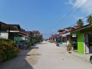 adventure, Berau, Dive Lodge Resort, Pulau, Island, hidden paradise, homestay, Indonesia, marine life, nature, Obyek wisata, pasir putih, snorkeling, Suku Bajo, tourist attraction, travel guide, vacation, white sandy beaches