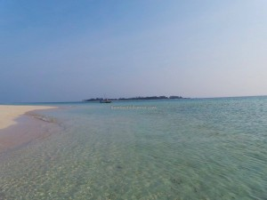 adventure, Berau, Derawan Archipelago, Timur, Gusung Sanggalau, hidden paradise, indonesia, nature, Obyek wisata alam, outdoors, Tourism, tourist attraction, travel guide, vacation, white sandy beaches,