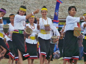 authentic, Indonesia, culture, Ethnic, event, gong, indigenous, Irau Festival, Kota Malinau, North Kalimantan Utara, Obyek wisata budaya, orang asli, pesta adat, Suku Dayak, Tourism, tourist attraction, traditional, travel guide,