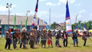 Borneo, pertandingan sumpit, culture, Ethnic, etnis, event, native, Obyek wisata budaya, orang asli, pesta adat, Suku Dayak, Tourism, tourist attraction, traditional, travel guide, tribal, tribe