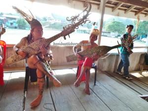 sampe, authentic, cultural dance, Desa Setulang, Ethnic, indigenous, North Kalimantan Utara, Lamin Adat, longhouse, Kota Malinau Selatan Hilir, native, Obyek wisata budaya, orang asal, Tourism, travel guide, tribal, tribe,
