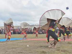 authentic, Indonesia, culture, event, gong Festival, Lun Bawang, native, North Kalimantan Utara, Wisata budaya, orang asal, pesta adat, Suku Dayak, Tourism, tourist attraction, traditional, travel guide, tribal, tribe,