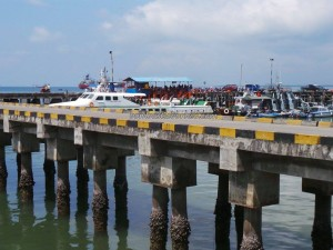 feri ride, Indonesia, ferry terminal, Imigrasi, Immigration checkpoint, Kota Tarakan, Pelabuhan Malundung, wharf, port, Tawau, Tourism, tourist attraction, crossborder, transborder, Transportation, travel guide, Malaysia,