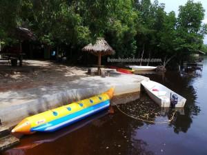 Kayaking, Bamboo rafting, beach, crab catching, ecotourism, family vacation, fishing, getaway, hidden paradise, Kampung Laya-Laya, Tuaran, Sabah, malaysia, mangrove forest, nature, outdoors, tourist attraction, travel guide,